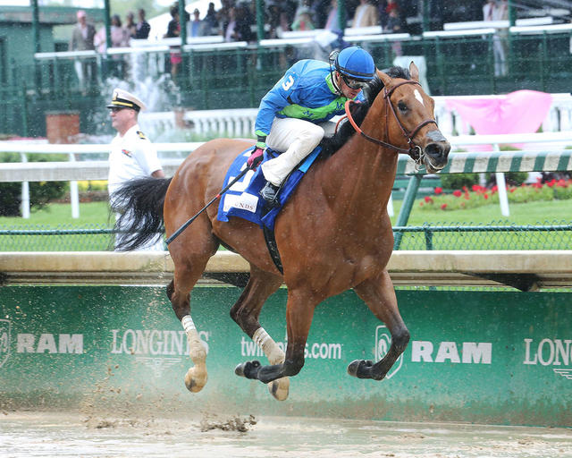 Big World Shows Big Heart In La Troienne Victory Lady
