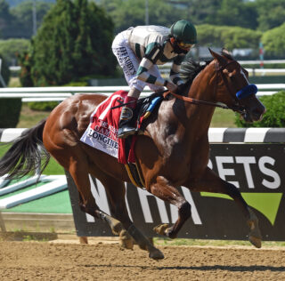 Gamine, Swiss Skydiver Face Off Against Seven Others in Kentucky Oaks 146